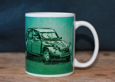 Drawing of a Citroen 2cv on a mug